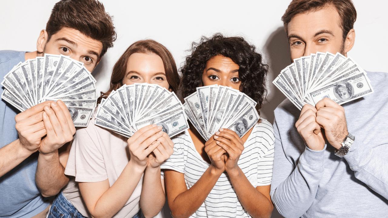4 Investors holding money